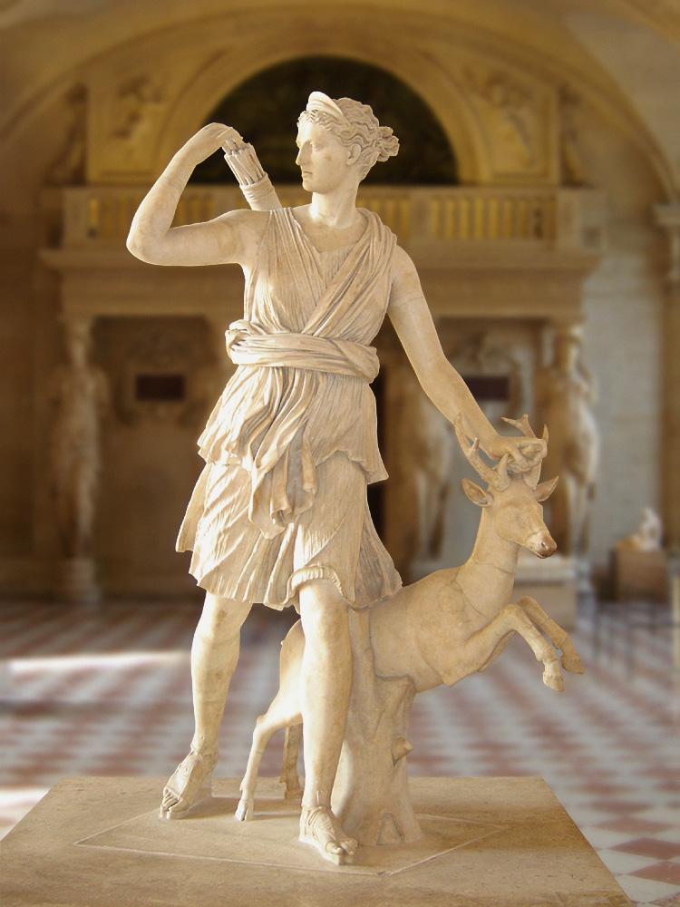 Statua di Diana con un cervo. Copia romana di originale ellenico. Parigi, Museo del Louvre.